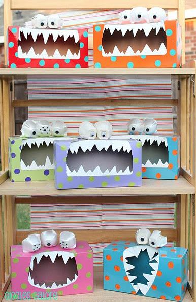 Monstruos de cartón