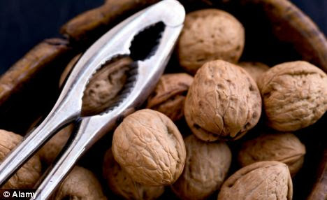 Eating walnuts just two or three times a week can reduce the risk of type 2 diabetes by almost a quarter