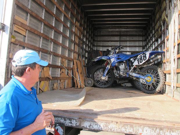 roubo de caminhão (Foto: Carolina Iskandarian/G1)