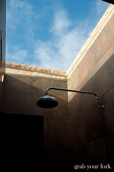 wolgan valley shower with skylight