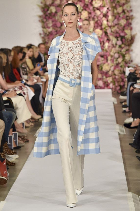 See the Oscar de la Renta Spring 2015 collection on Vogue.com.