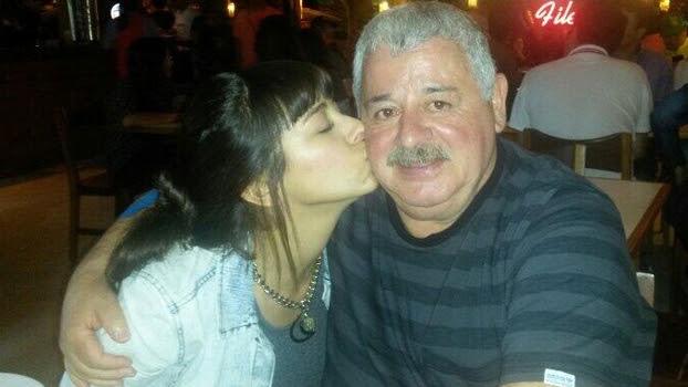 Maria Soledad ao lado do pai, o também jornalista Titi Fernandez, em Belo Horizonte