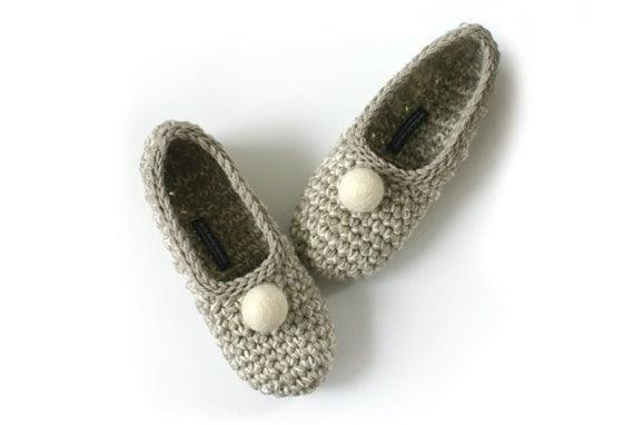 Beige Crochet Slippers with Vanilla Felt Embellishment