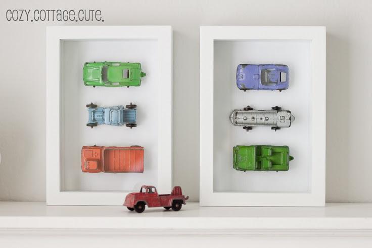 Que bonita idea para conservar cochecitos o juguetes pequeños de nuestros niños. Además de decorar es una forma de conservarlos. #DIY