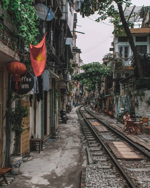 THE 10 BEST THINGS TO DO IN HANOI VIETNAM + MORE TRAVEL TIPS