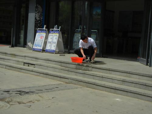 A Man and A Tortoise, Shenyang, China _  0192