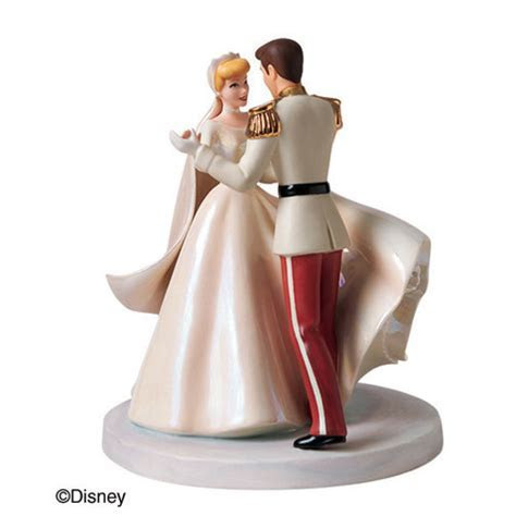 Walt Disney Classics Cinderella and Prince Charming