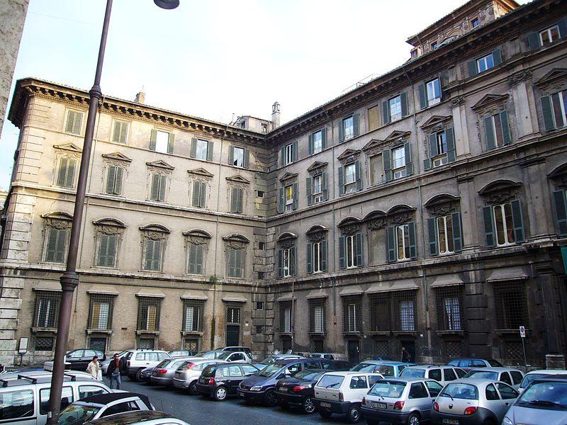 File: Pigna - piazza Collegio Romano e Palazzo Doria Pamphili 1000422.JPG