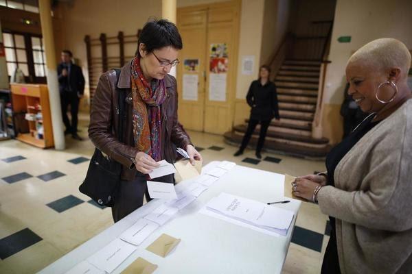 Ψήφισε και η Ναταλί Αρτό της 'Εργατικής Πάλης'