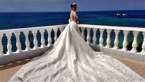 Heart Evangelista Wedding Gown