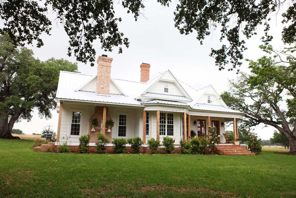 Fixer Upper farmhouse pic 1