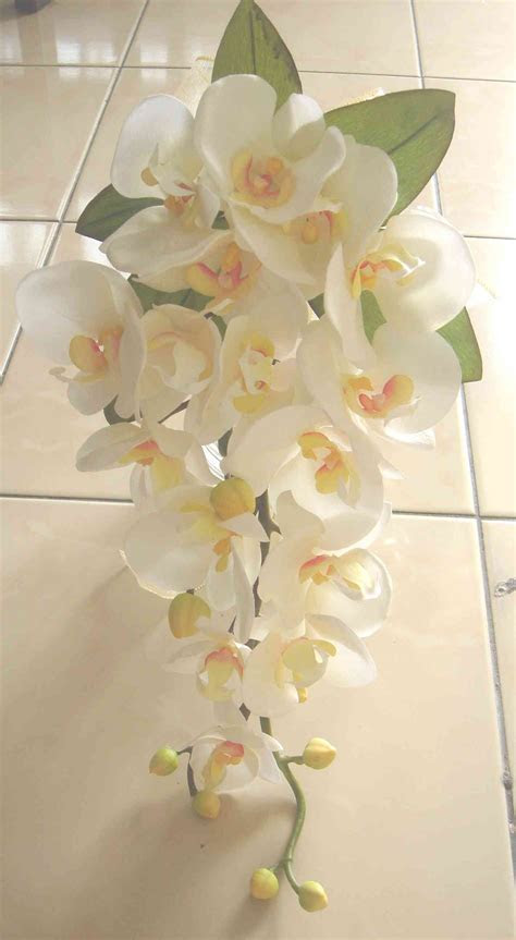 DIY Silk orchid cascade bouquet   Love this shape and size