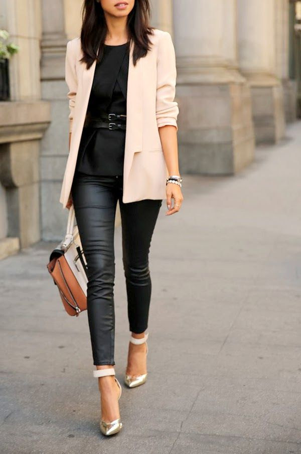 Simple and chic, with a pair of skinny jeans, strappy heels, and a light pink blazer.
