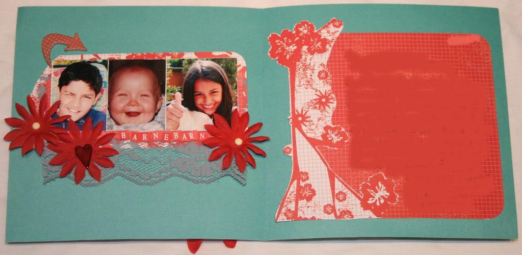 Takkekort til besteforeldre - inni. Det skal legges gavekort bak bildene av trioen! ;)