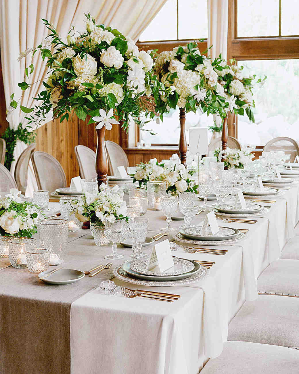 Tall Centerpieces That Will Take Your iReceptioni iTablesi to