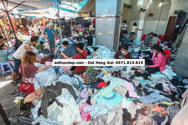 22 thg 8, 2014 - Ở các chợ như Xuân Khánh, An Bình…cũng bày bán khá nhiều đồng phục học sinh với giá khá mề,m như: bộ đầm học
