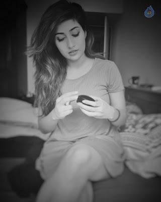 Anisha Singh New Pics - 9 of 10