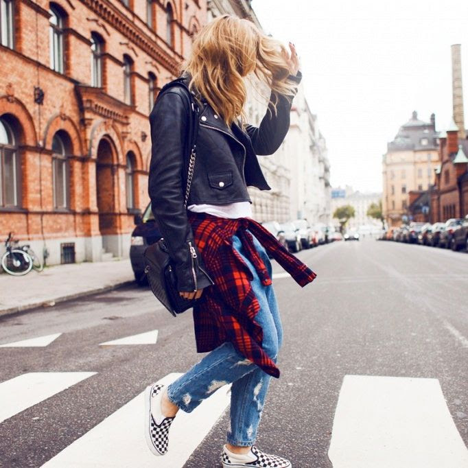 Le Fashion Blog -- 15 Ways To Wear Checkered Vans Slip On Sneakers -- Blogger Style: Plaid Shirt And Boyfriend Jeans -- Via Angela Blick -- photo 10-Le-Fashion-Blog-15-Ways-To-Wear-Checkered-Van-Slip-On-Sneakers-Plaid-Shirt-Boyfriend-Jeans-Via-Angela-Blick.jpg