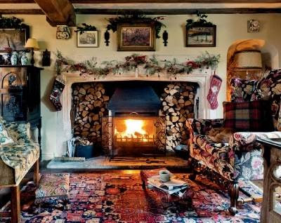Christmas Decorating Fireplace Tips.Create a Cozy Cabin Hearth!
