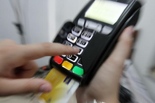 Η εφορία με τα δώρα! Πληρώνεις με κάρτα; Μπαίνεις στην κλήρωση για σπίτι και αυτοκίνητα!