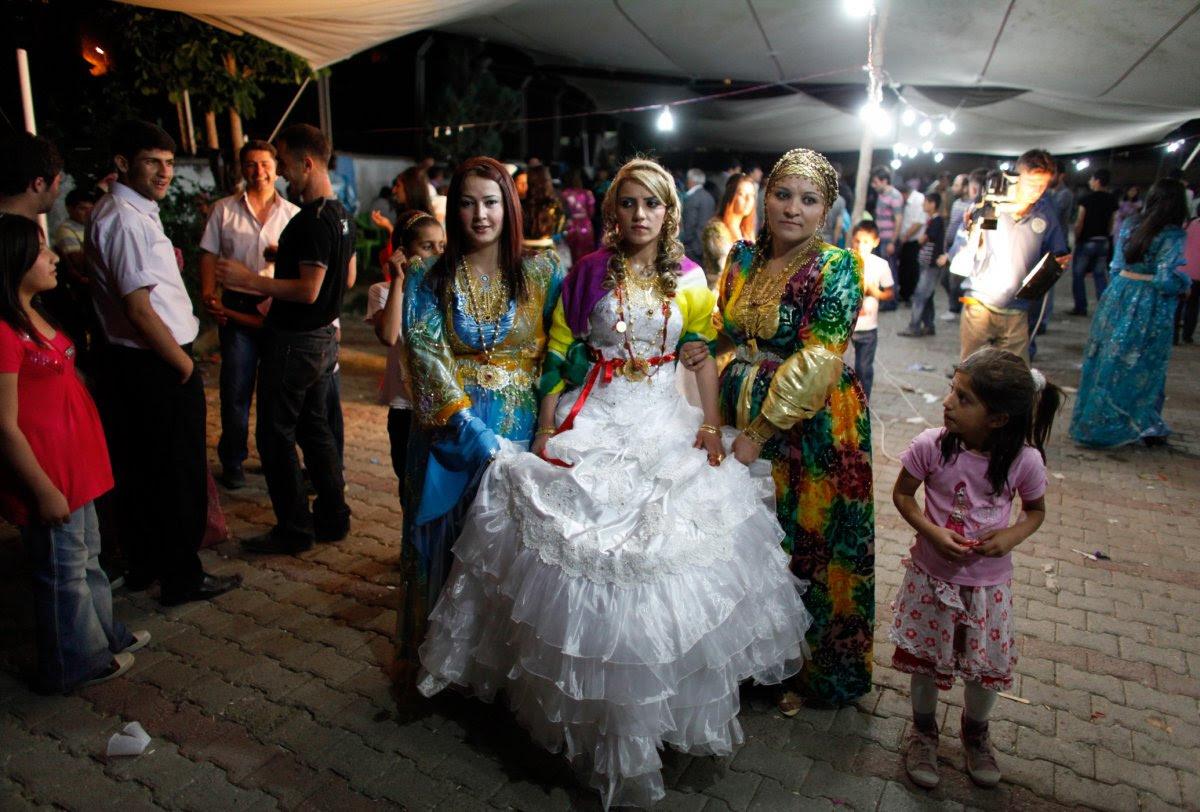 27 belas fotos de vestidos tradicionais de casamentos por todo o mundo 02