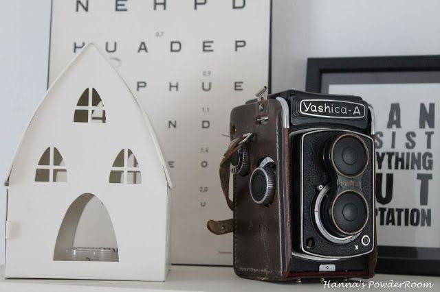 vanha laatikko kamera Hanna's PowderRoom Blog