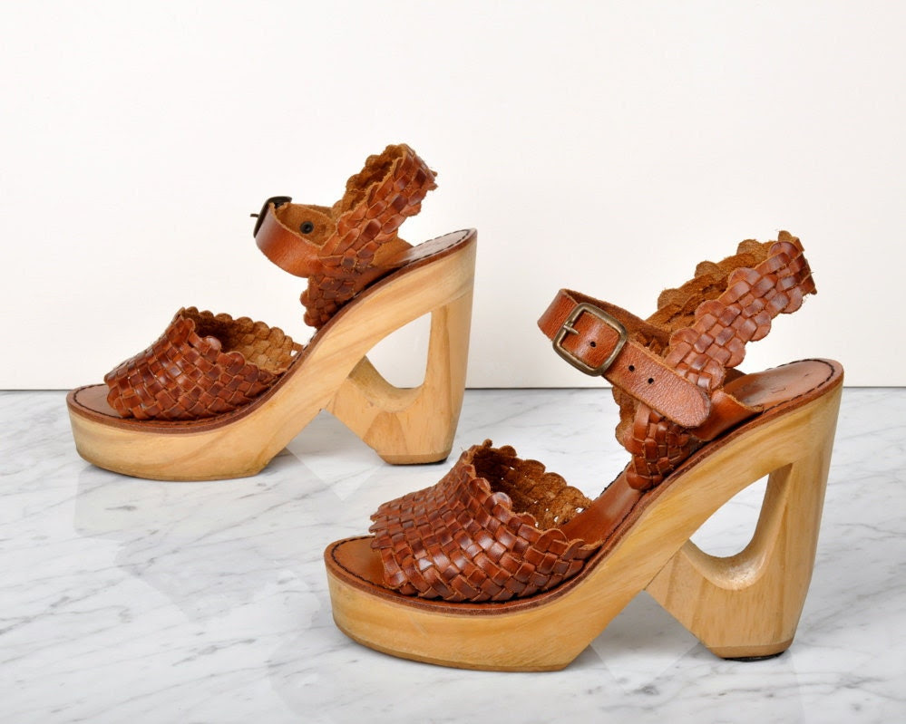 vintage QUALICRAFT cutout wooden platform heels - us 6 / europe 36 / uk 3.5 / au 4.5