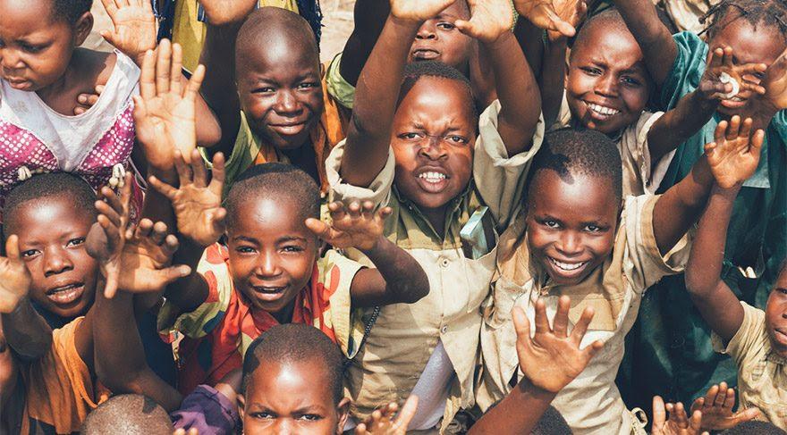 'Ne istedin', 'Daha Fazla Öp', 'Gerekli Değil'… Afrika'da bebeklere ...