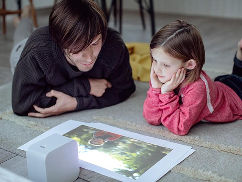 sony-short-focus-projector-life-space-UX-designboom-10