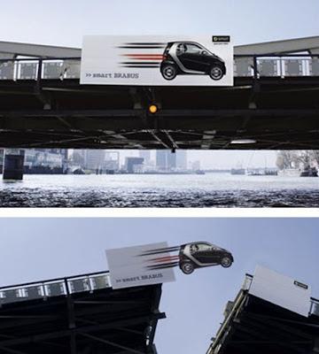 publicidad hasta en los puentes levadizos
