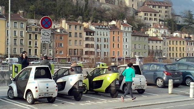 El Toyota i-Road en las calles de Grenoble