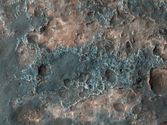 HiRISE image of dark terrain near Ganges Chasma (NASA/JPL/University of Arizona)