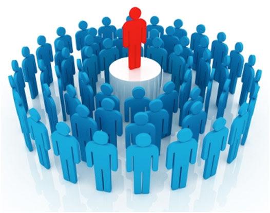 Las personas en el centro, los políticos al servicio