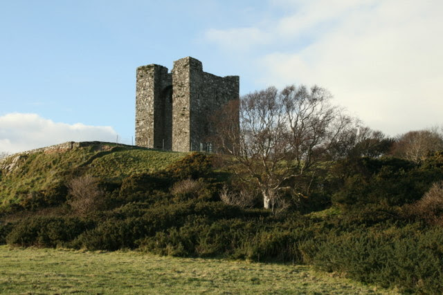 File:A southerly view of Audley's castle, County Down - geograph.org.uk - 1659939.jpg