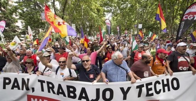 Manifestación que las Marchas de la Dignidad, que aglutinan a cuatro columnas procedentes de distintas partes de España, llevan a cabo hoy por las calles de Madrid, en su lucha contra la precariedad laboral, el paro y la degradación de la educación y sani