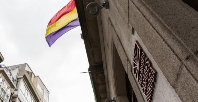 Bandera republicana en la Casa Museo Casares Quiroga./ AYUNTAMIENTO DE A CORUÑA
