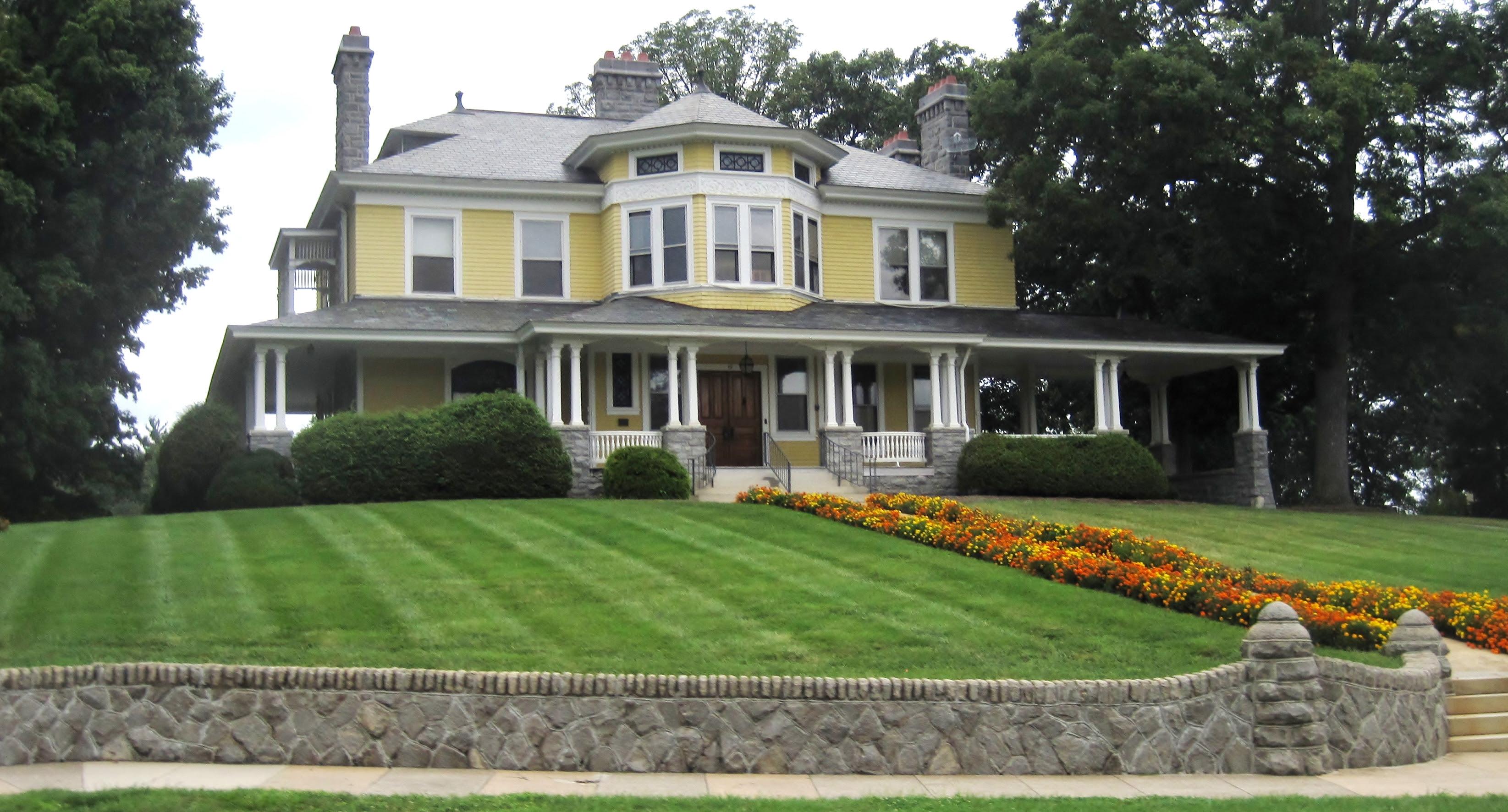 The Most Beautiful Historic Neighborhoods in America ...