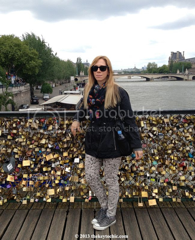 Love lock bridge, Paris Pont Des Artes Bridge