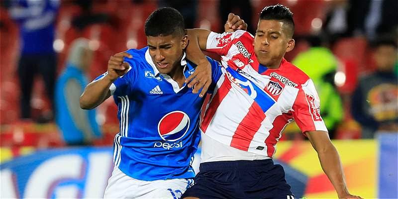 Acción de juego del partido por cuartos de final de Copa Colombia.