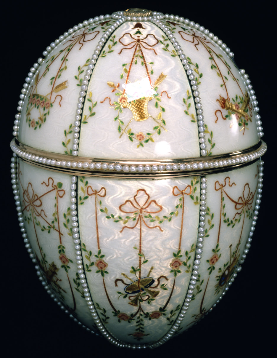 http://upload.wikimedia.org/wikipedia/commons/9/90/House_of_Faberg%C3%A9_-_Gatchina_Palace_Egg_-_Walters_44500_-_Closed.jpg