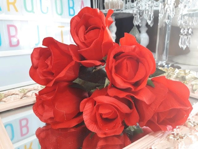 Ramo De Pimpollos De Rosas Rojas Arqcoba Objetos