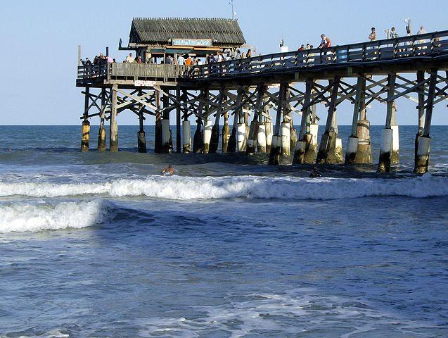 637px-Cocoa_Beach_pier_FLAUSA