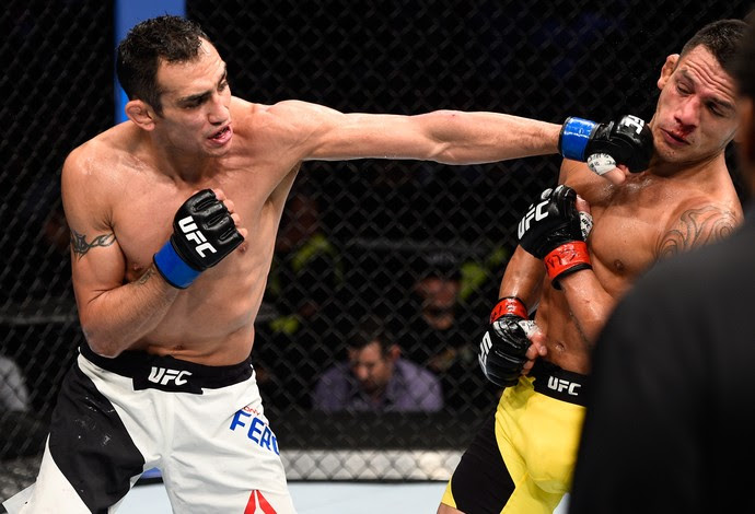 Tony Ferguson Rafael dos Anjos UFC México 3 (Foto: Getty Images)