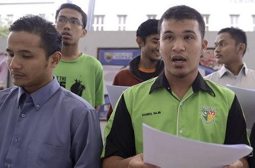 Bekas pemimpin mahasiswa kata Pas 'mengongkong'