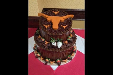 20 Incredible Texas Themed Groom's Cakes