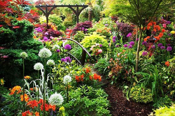 perierga.gr - Ιδιωτικός κήπος... παράδειγμα για τους δημοσίους!