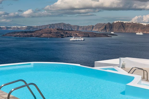 Compelling reasons to visit Santorini Islands in Greece