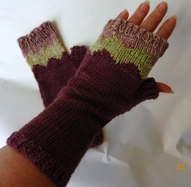 Birthday Maroo Mitts