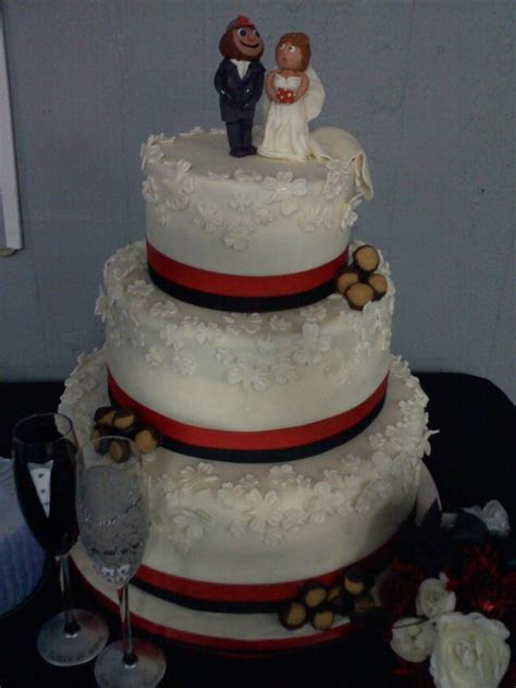 wedding cake featuring Ohio State Brutus groom   my cakes