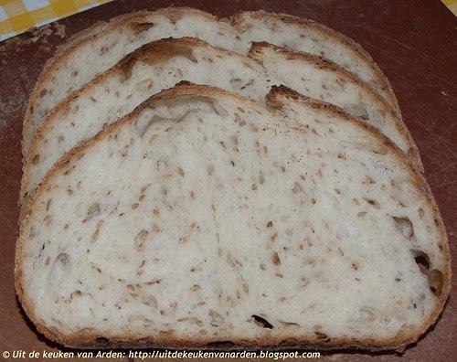 Zuurdesembrood met semolinameel